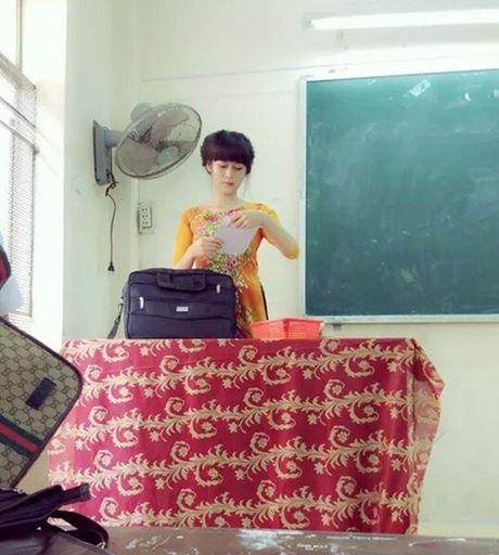 Nguong mo co giao hot girl chuyen day hoc sinh ca biet - Anh 2