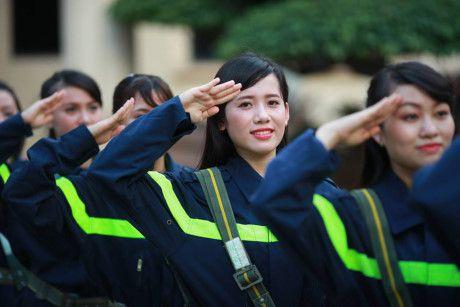 Sinh vien DH Phong chay Chua chay lung linh trong bo anh ky yeu - Anh 10