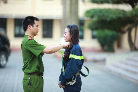 Sinh vien DH Phong chay Chua chay lung linh trong bo anh ky yeu - Anh 7