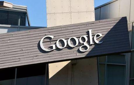 Google va Facebook tuyen chien voi tin tuc gia mao - Anh 1