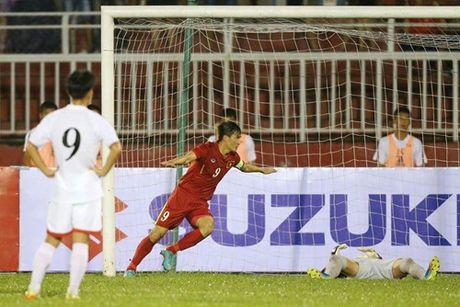 Cong Vinh chi kem Lionel Messi 7 ban thang - Anh 2
