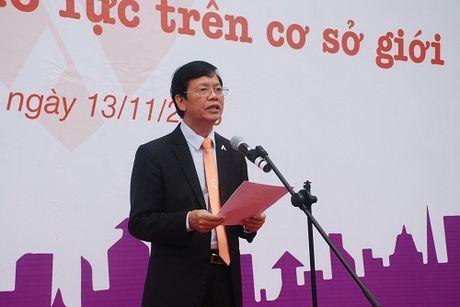 300 thanh nien phat dong Thang hanh dong vi binh dang gioi - Anh 2