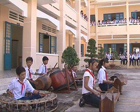 Doan cong tac Uy ban Dan toc lam viec tai Soc Trang - Anh 1