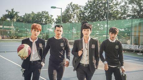 Huynh Anh lan san ca hat bang viec gia nhap boyband moi - Anh 1
