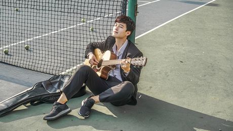 Huynh Anh lan san ca hat bang viec gia nhap boyband moi - Anh 2