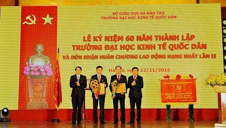 Vietcombank tai tro 5 ty dong cho Dai hoc Kinh te Quoc dan - Anh 1