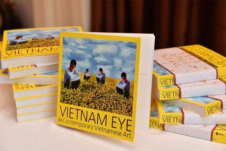 Ra mat sach 'Nghe thuat duong dai Viet Nam' - Anh 1