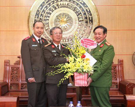 Bao CAND chuc mung cac truong nhan Ngay nha giao Viet Nam - Anh 2