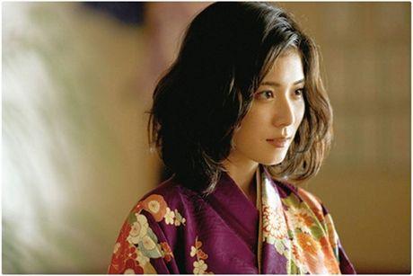 """""""Chihayafuru"""": Cau chuyen duoc ke trong nhung la bai - Anh 5"""