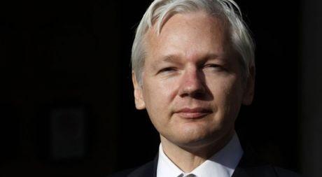 Ong chu Wikileaks bi tham van vi cao buoc cuong hiep - Anh 1