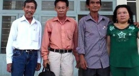 Huynh Van Nen bo ve khi thuong luong boi thuong oan sai be tac - Anh 1