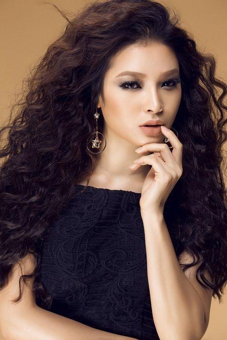 Phuong Trinh Jolie khoe duong cong hoan my voi trang phuc tao bao - Anh 5