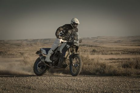 Bung no cac mau moto 'phuot' chuyen dung tai EICMA 2016 - Anh 1