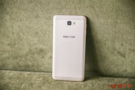 Galaxy On 7 gia 5 trieu: giong J7 Prime nhung manh hon - Anh 2