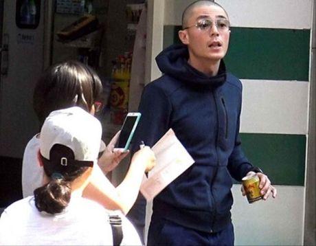 Chong Lam Tam Nhu len giong so sang chi tay, mang paparazzi - Anh 1