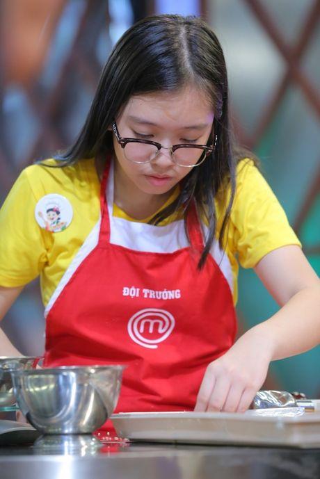 Vua dau bep nhi: Phuong Linh muon nhuong 'doi truong' cho Thanh Hai - Anh 9