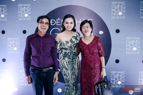 Giang Hong Ngoc khoc truoc Ha Ho: 'Em xin loi vi da khong nghe loi chi' - Anh 17