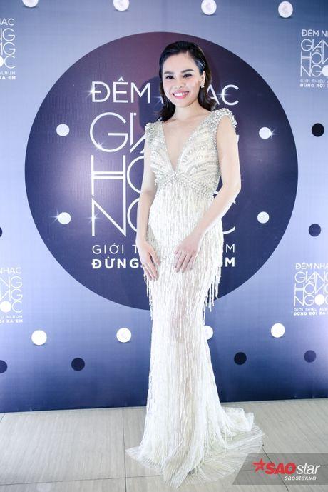 Giang Hong Ngoc khoc truoc Ha Ho: 'Em xin loi vi da khong nghe loi chi' - Anh 1