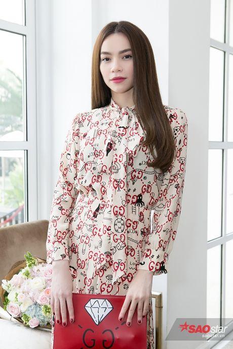 Ha Ho cung dan thi sinh The Face hao huc mung Lan Khue len chuc - Anh 4