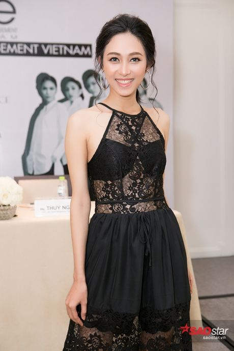 Ha Ho cung dan thi sinh The Face hao huc mung Lan Khue len chuc - Anh 7