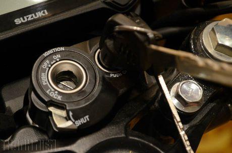 Suzuki Raider R150 the he moi gia tu 49 trieu dong tai Viet Nam - Anh 10