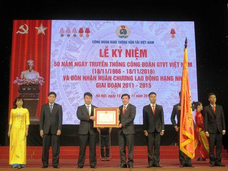 Cong doan Giao thong Van tai VN don nhan Huan chuong Lao dong hang Nhi - Anh 1