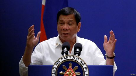 Ong Duterte: Se khong co nhan quyen neu IS tran vao Philippines - Anh 1