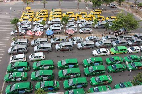 Can canh nha de xe '5 sao' o san bay Tan Son Nhat - Anh 2