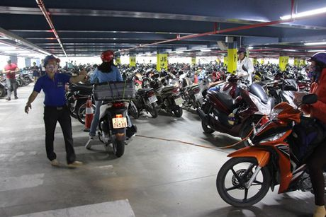 Can canh nha de xe '5 sao' o san bay Tan Son Nhat - Anh 4