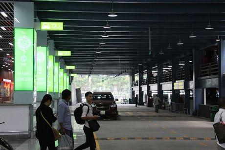 Can canh nha de xe '5 sao' o san bay Tan Son Nhat - Anh 7
