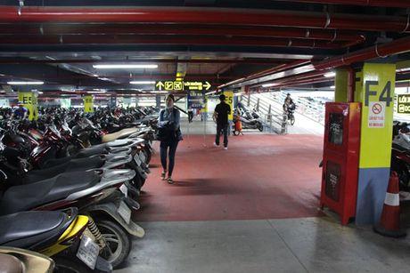 Can canh nha de xe '5 sao' o san bay Tan Son Nhat - Anh 9