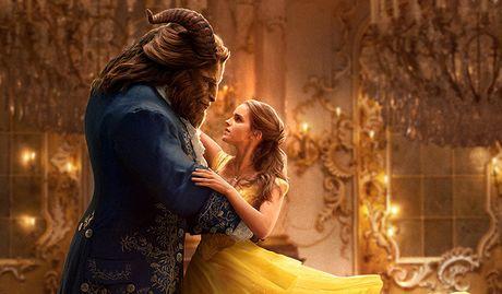 Emma Watson xinh dep trong phim moi 'Nguoi dep va quai vat' - Anh 3