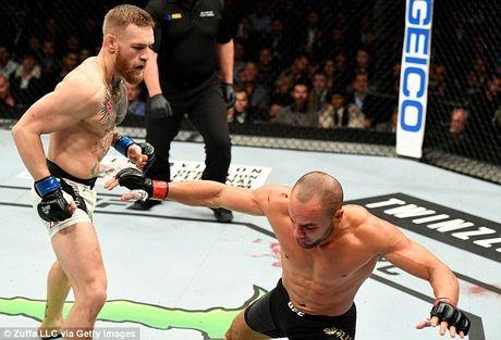 'Ga dien' McGregor vui ve ben ban gai sau tran thang lich su - Anh 6
