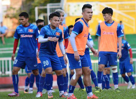 Tuyen Viet Nam len duong du AFF Cup - Anh 6