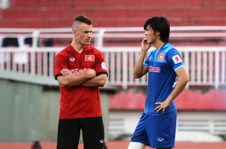 Tuyen Viet Nam len duong du AFF Cup - Anh 7