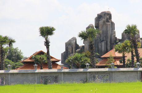 Truy trach nhiem vu Viet kieu xay nui nhan tao khong phep - Anh 1