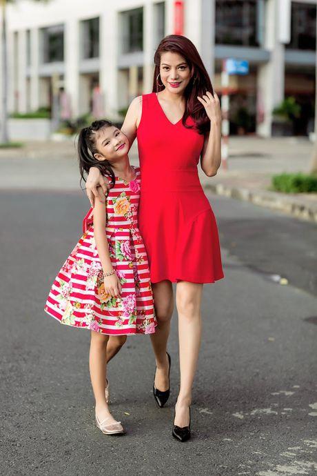 Truong Ngoc Anh cung con gai sanh dieu xuong pho - Anh 5