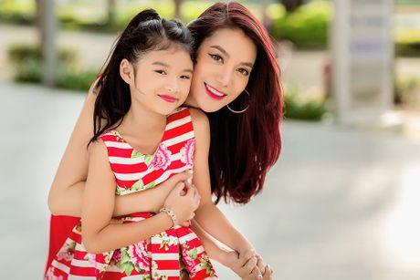 Truong Ngoc Anh cung con gai sanh dieu xuong pho - Anh 6