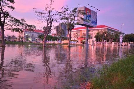 Trieu cuong dat dinh, nguoi Sai Gon khon kho tim duong ve nha - Anh 2