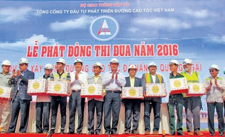 Cong doan GTVT Viet Nam - 50 nam tien phong 'Di truoc mo duong' - Anh 1