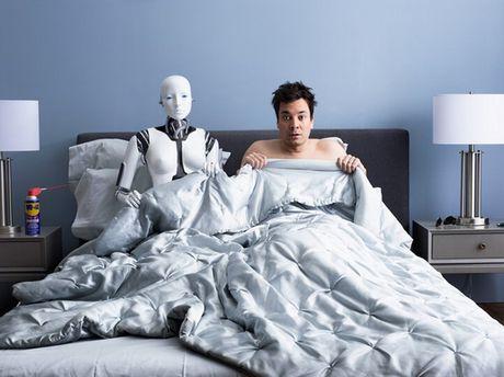 """Robot tinh duc dang de doa chuyen """"phong the"""" cua con nguoi - Anh 1"""