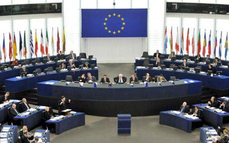 EU dua them 17 quan chuc Syria vao danh sach trung phat - Anh 1