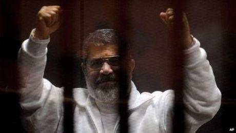 Ai Cap huy an tu hinh cuu Tong thong Mohammed Morsi - Anh 2