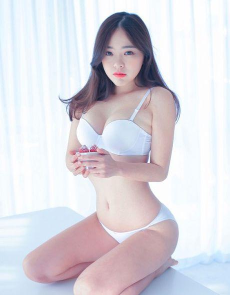Nguoi mau noi y 'chan ngan' nong bong nhat xu Han - Anh 10