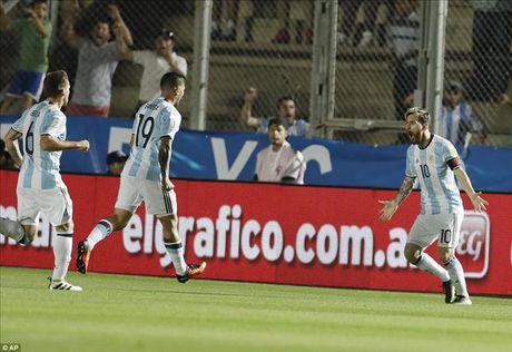Argentina 3-0 Colombia: Goi ten Lionel Messi va Di Maria - Anh 1