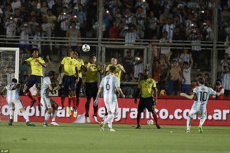 Argentina 3-0 Colombia: Goi ten Lionel Messi va Di Maria - Anh 2