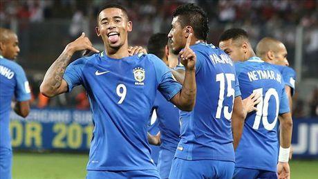 Tien dao tre Man City toa sang, Brazil xay chac ngoi dau - Anh 1