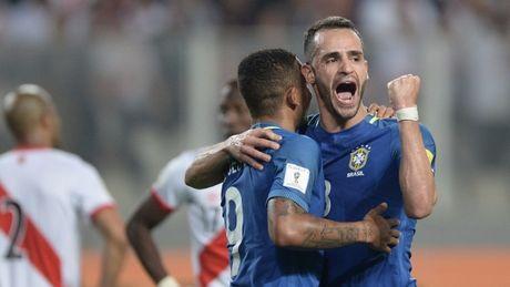 Tien dao tre Man City toa sang, Brazil xay chac ngoi dau - Anh 3
