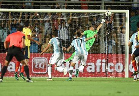 Messi toa sang bang sieu pham, Argentina thang dam Colombia - Anh 1