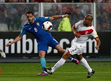Thang nhe Peru, Brazil dau chi co Neymar - Anh 2